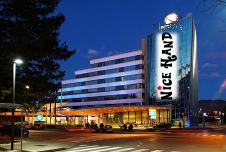 nice-hand-perla-casino