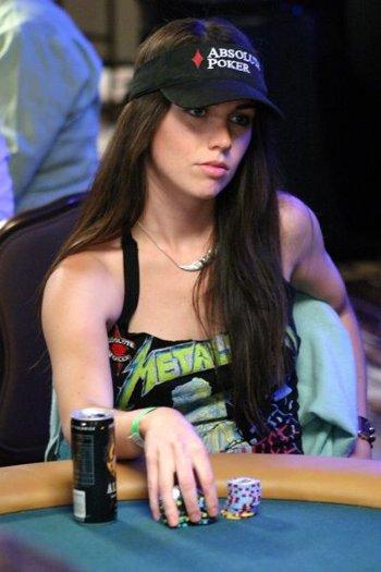 liv-boeree-ept-sanremo-poker-vincitrice-foto-04